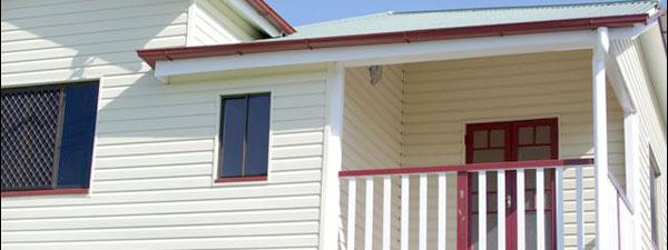 A view of the completed house cladding job done by Abbey Thermalboards.